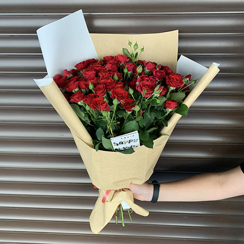 букет красных роз фото
