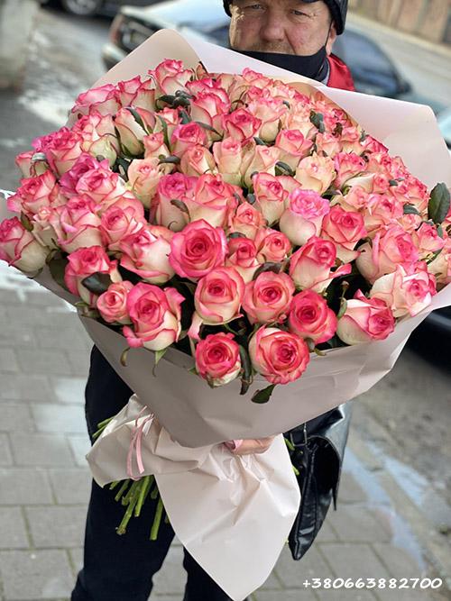 101 розовая роза Джумилия фото доставки